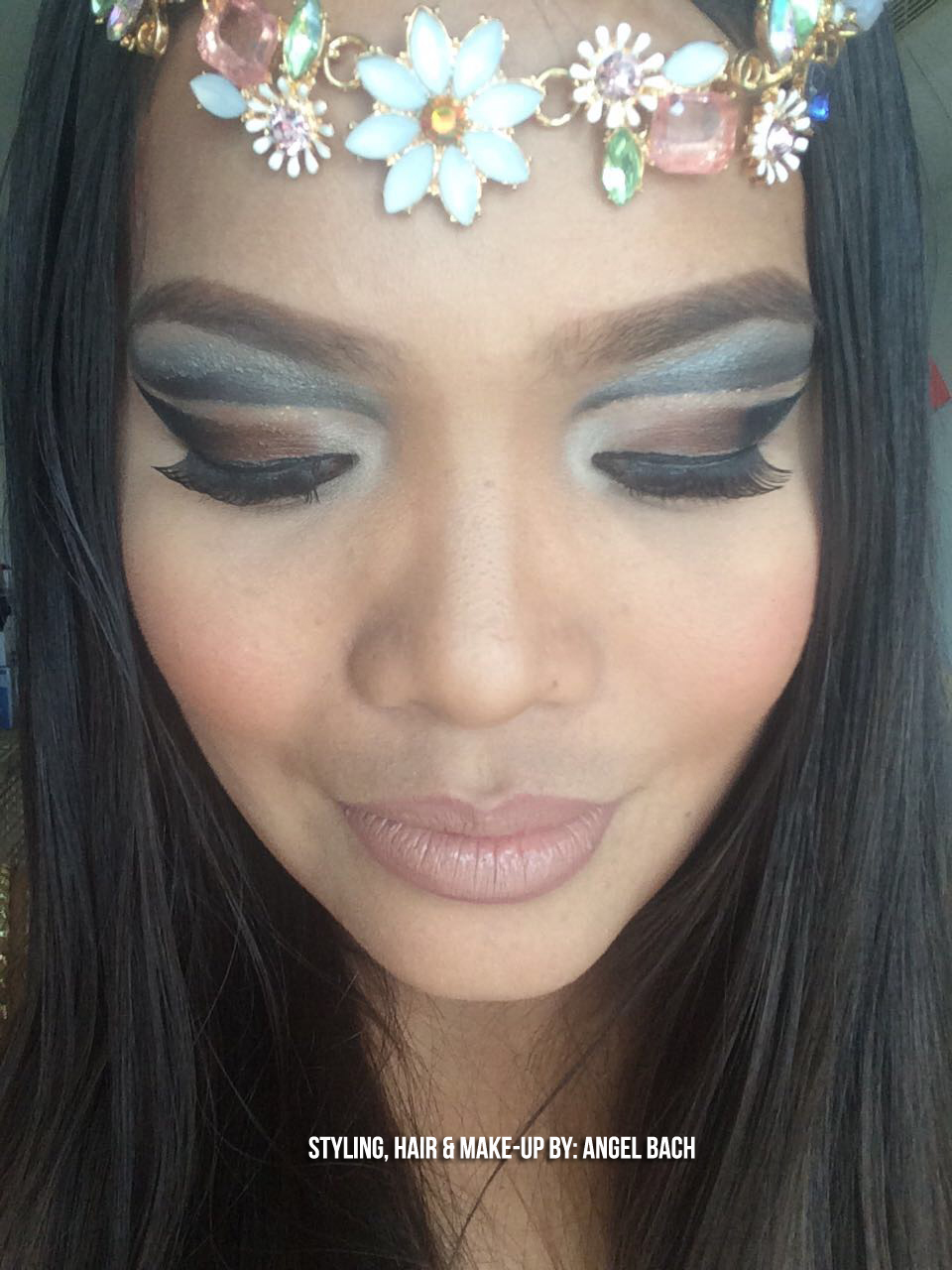 Double Cut Crease, Flower Tiara, Thick Eyebrows