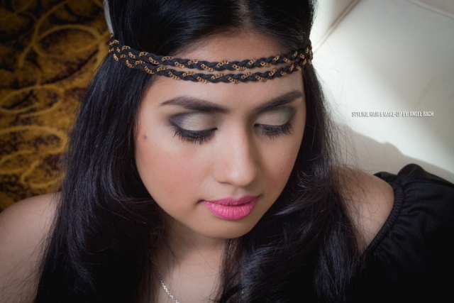 Arabian Look, Long Hair, Glamour Look, Half Cut Crease Eyeshadow, Pink Lipstick, Full Make-up, Black and Gold Eyeshadow