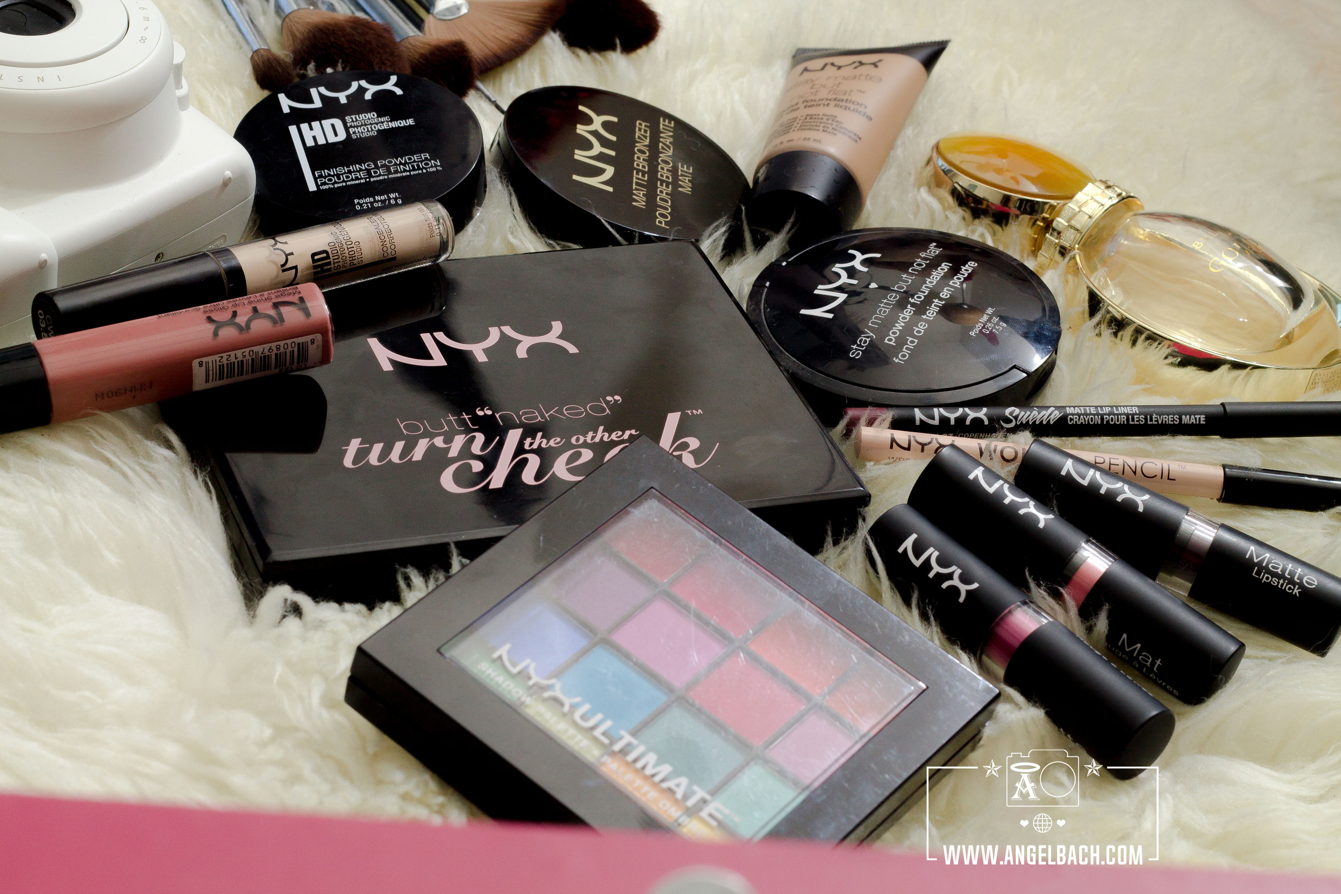 Product Photography, Make-up Artist, NYX Cosmetics, NYX Professional Make-up, Nyx Foundation, Nyx lipsticks, Nyx Concealer, Nyx pallette, Nexy loose powder, Nyx Bronzer, Brushes, Nyx Powder, Bvulgari, Intax, Make-up Kit