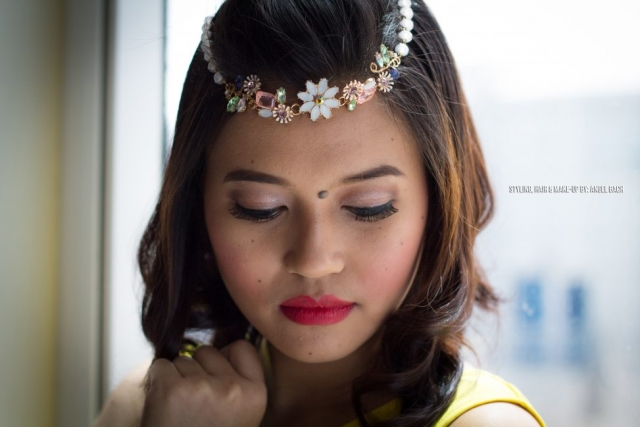Bohemian Look, Smokey Eye, Natural Look, 30 min Hair and Make-up touch, Red Lipstick