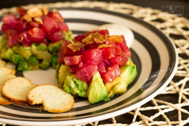 tuna tartare, crackers, avocado, starters, Chef Esben, dinner, Husband's Kitchen