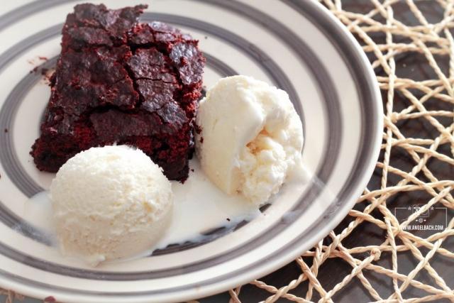 Chocolate brownies, Vanilla icecream, Dessert, home cooked set menu, Chef Esben