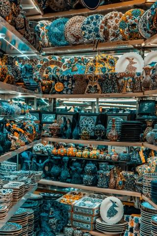 Grand Bazaar, Istanbul, What is inside Grand Bazaar, Stores in Grand Bazaar, Largest Market in the world, ceramic products in Grand Bazaar