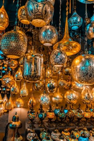 Grand Bazaar, Istanbul, What is inside Grand Bazaar, Stores in Grand Bazaar, Largest Market in the world, Lantern product in Grand Bazaar