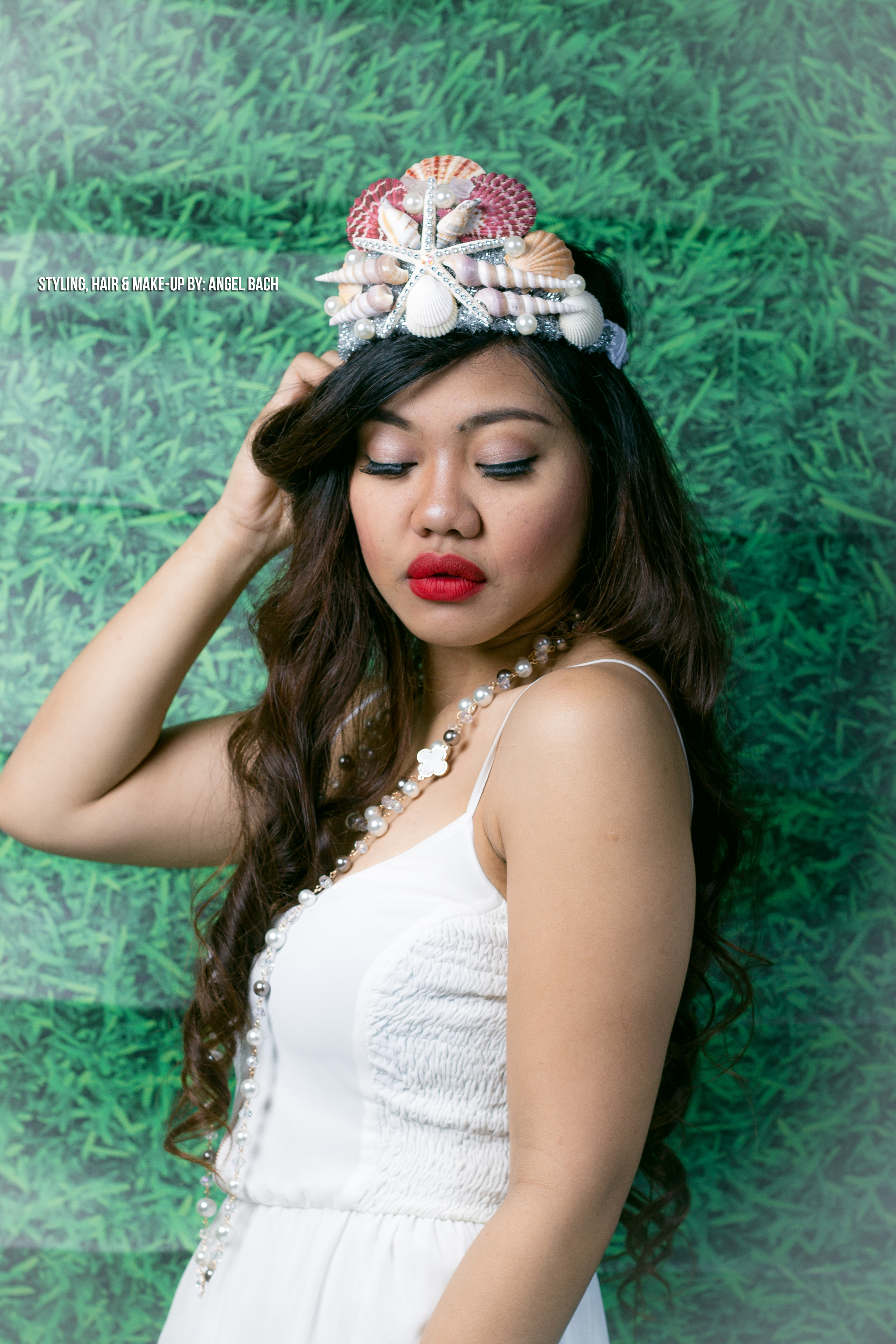 Beach Look, Smokey Eyeshadow, Red Lipstick, Long Hair, Sea Shells Tiara, 30 Mins Make-Up Look