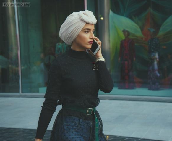 Dubai, Fashion Forward, 10th Edition FFD, Fashion, Dubai Expat, UAE, Fashionista, Candid Shots, Fashionista on the phone
