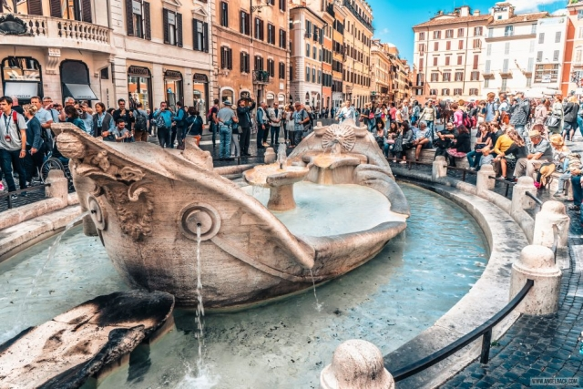 Rome, Cityscape, Leading lines, Street photography, Architecture Photography, Ancient Rome, Piazza di Spagna, Rome's Spanish Steps, Fontana della Barcaccia