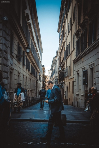 Rome, Cityscape, Leading lines, Street photography, Businessman