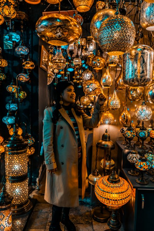 Blogger at Grand Bazaar, Lanterns at Grand Bazaar